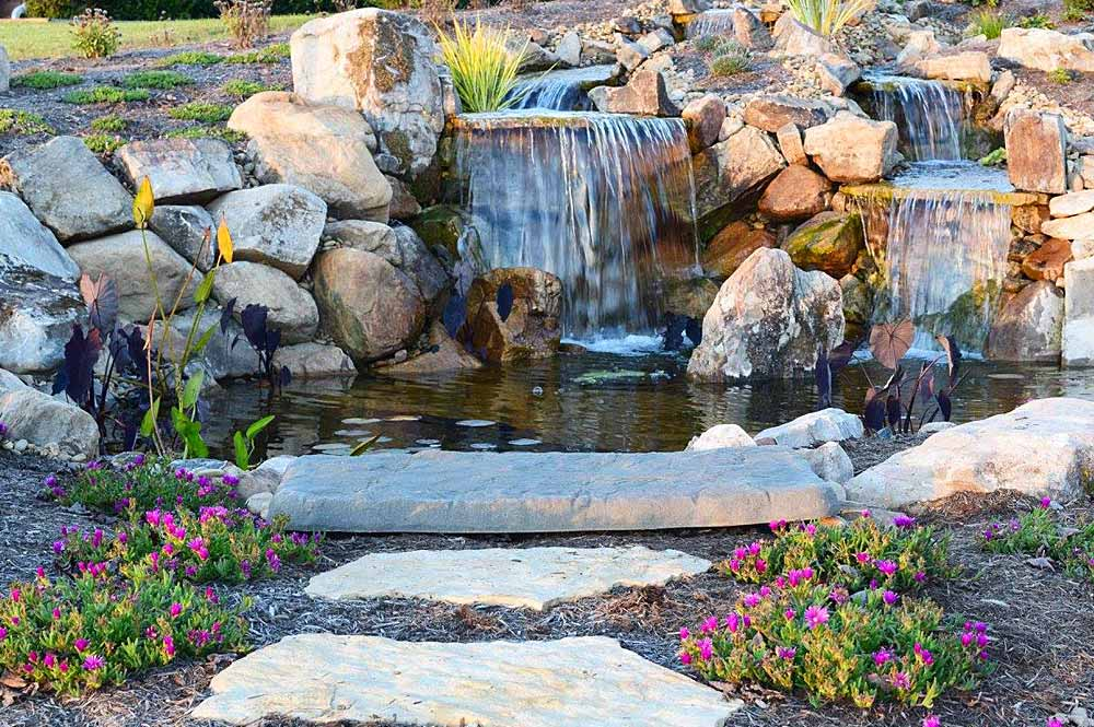 Water feature gallery